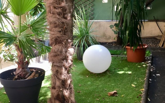 Courtyard Cannes 0