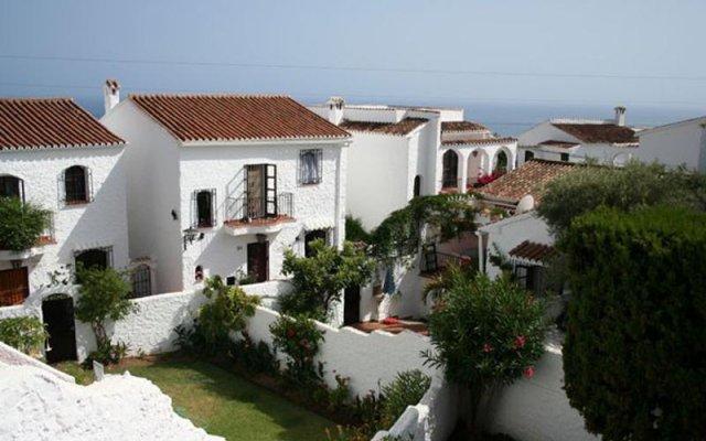 Отель El Capistrano Village вид на фасад