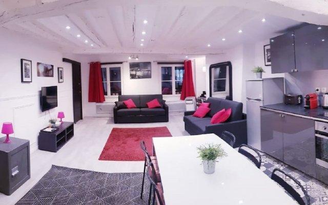 Отель 100 Luxury 2 Bedroom Beaubourg Marais Париж комната для гостей