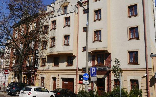 Отель BENEFIS Краков вид на фасад