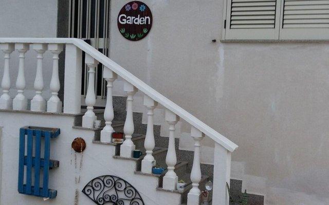 Отель Garden Fiorella Италия, Чинизи - отзывы, цены и фото номеров - забронировать отель Garden Fiorella онлайн вид на фасад