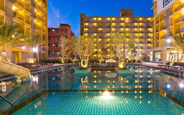 Отель Bella Express Таиланд, Паттайя - 7 отзывов об отеле, цены и фото номеров - забронировать отель Bella Express онлайн вид на фасад