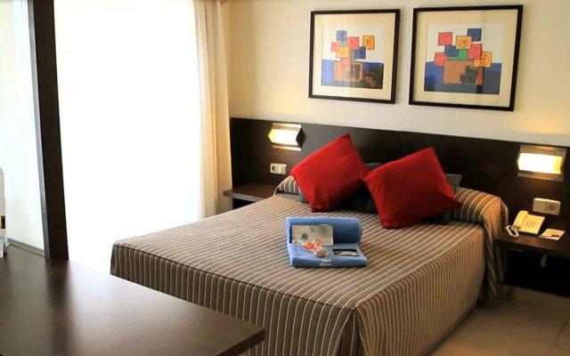 Aqua Hotel Montagut Suites вид на фасад