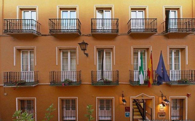 Отель Cervantes Испания, Севилья - отзывы, цены и фото номеров - забронировать отель Cervantes онлайн вид на фасад
