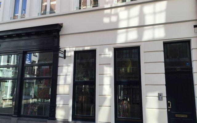 Отель Antwerp Business Suites вид на фасад