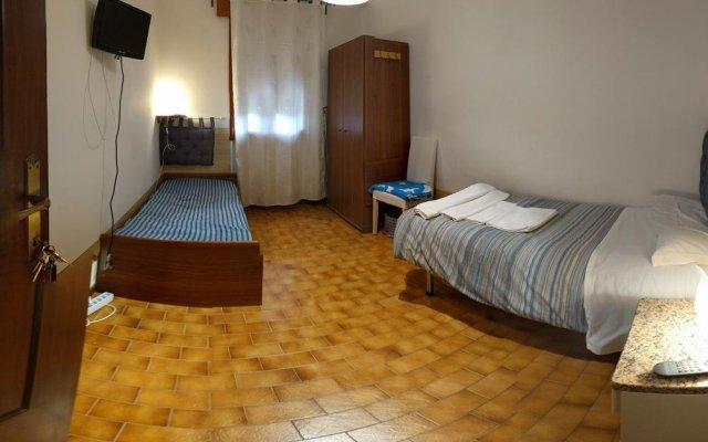 Отель Alloggi Sant'Antonio Италия, Падуя - отзывы, цены и фото номеров - забронировать отель Alloggi Sant'Antonio онлайн комната для гостей