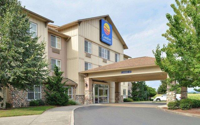 Отель Comfort Inn And Suites McMinnville вид на фасад