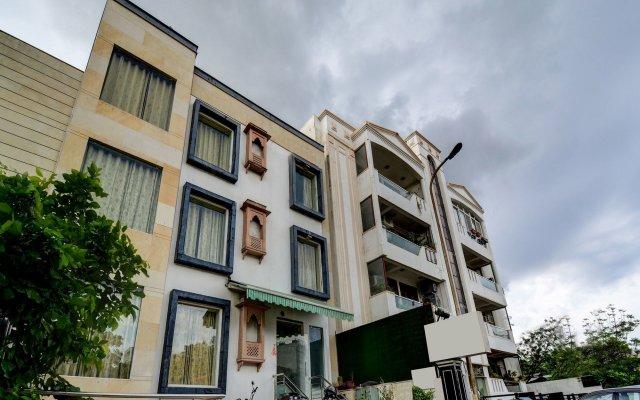 OYO 16127 Hotel Taurus вид на фасад
