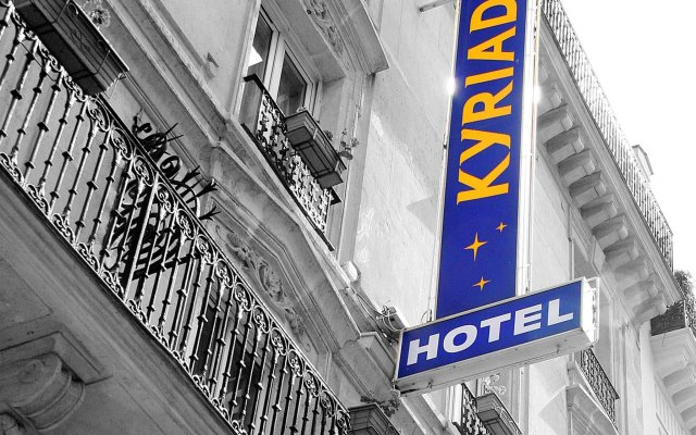 Kyriad Hotel XIII Italie Gobelins вид на фасад