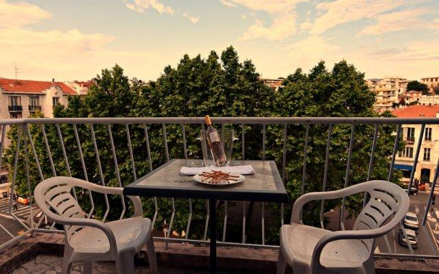 Отель Bounin балкон