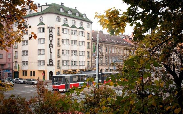 Отель Kavalir вид на фасад