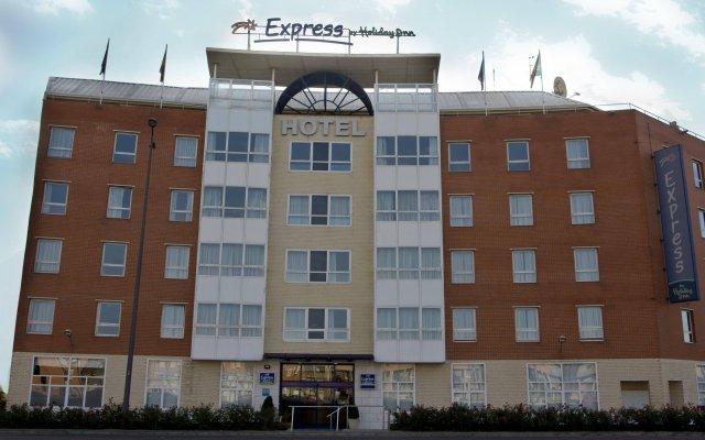Отель Holiday Inn Express Valencia-San Luis Испания, Валенсия - отзывы, цены и фото номеров - забронировать отель Holiday Inn Express Valencia-San Luis онлайн вид на фасад