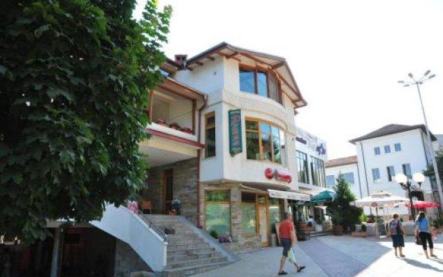 Plaza Family Hotel Смолян вид на фасад