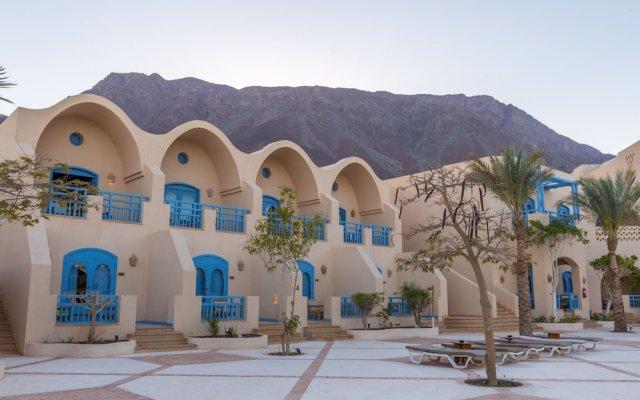 Отель El Wekala Aqua Park Resort вид на фасад