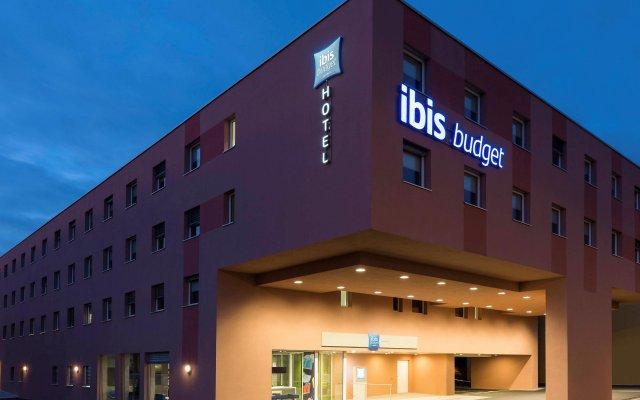 Отель ibis budget Zurich Airport Швейцария, Глаттбруг - отзывы, цены и фото номеров - забронировать отель ibis budget Zurich Airport онлайн вид на фасад