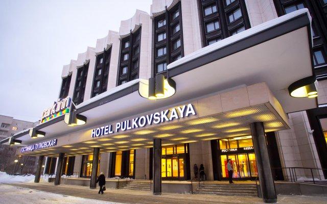 Гостиница Park Inn by Radisson Пулковская в Санкт-Петербурге - забронировать гостиницу Park Inn by Radisson Пулковская, цены и фото номеров Санкт-Петербург вид на фасад