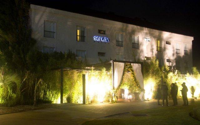 Serena Hotel