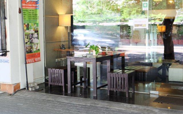 Отель Take A Nap Hotel Таиланд, Бангкок - отзывы, цены и фото номеров - забронировать отель Take A Nap Hotel онлайн вид на фасад