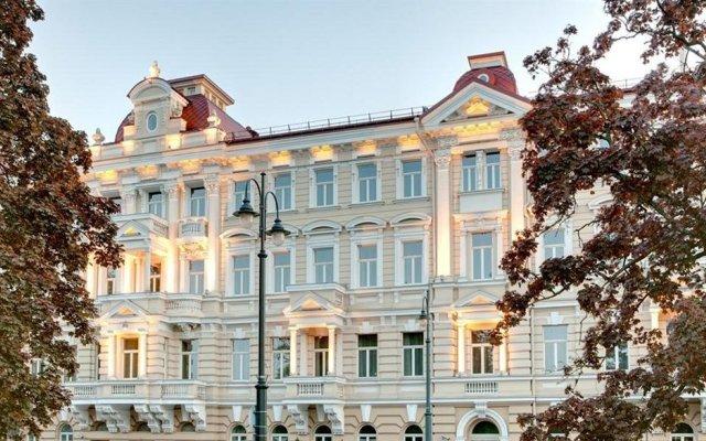 Grand Hotel Kempinski Vilnius вид на фасад