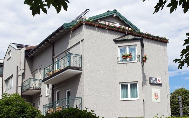 Отель B&B Hotel Junior Австрия, Зальцбург - 1 отзыв об отеле, цены и фото номеров - забронировать отель B&B Hotel Junior онлайн вид на фасад