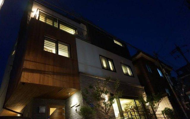 Отель Bauhaus вид на фасад