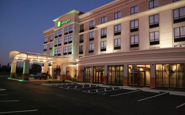 Отель Holiday Inn Columbus-Hilliard вид на фасад