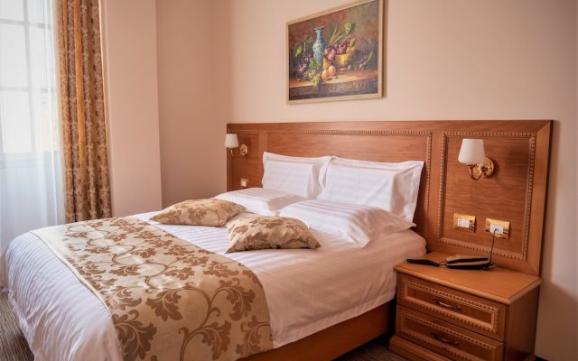 Hotel Boka 2