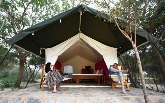 Отель The Naturalist Luxury Tents вид на фасад