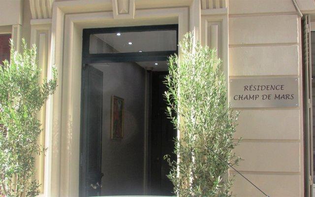 Отель Residence Champs de Mars вид на фасад