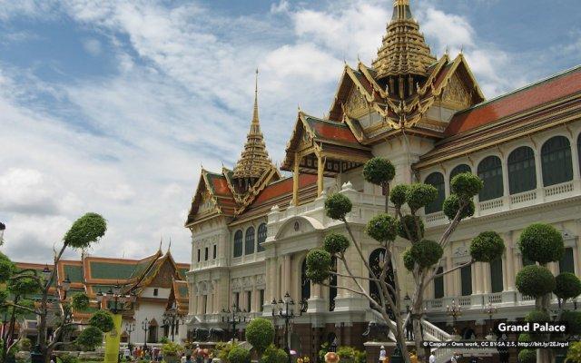 Отель Zen Rooms Ratchadaphisek Soi Sukruamkan Бангкок вид на фасад