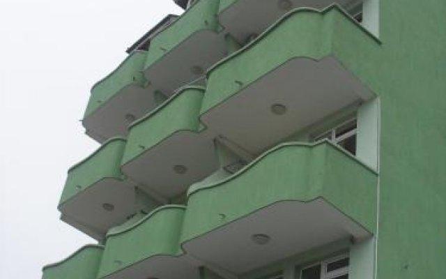 Отель Zlatna Kotva Guest House Аврен вид на фасад