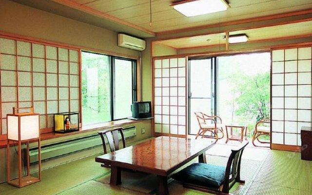 The Hotel Fujiyama Яманакако комната для гостей