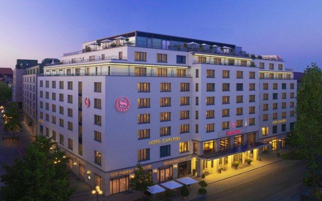Отель Sheraton Carlton Нюрнберг вид на фасад