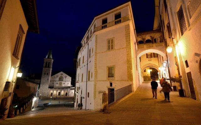 Hotel Clarici Сполето вид на фасад