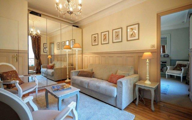 Отель Paris Stay Apartment - Louvre Elegant Suite Франция, Париж - отзывы, цены и фото номеров - забронировать отель Paris Stay Apartment - Louvre Elegant Suite онлайн комната для гостей