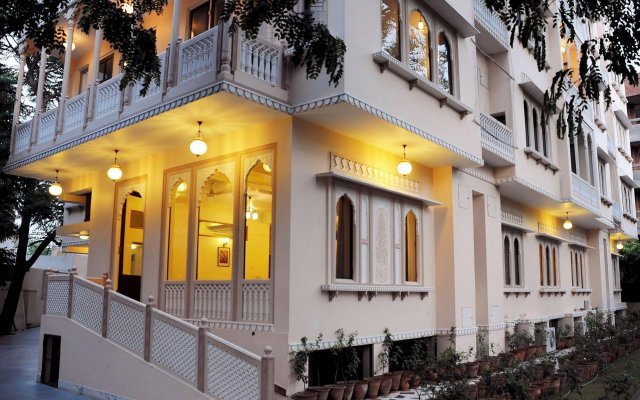 Om Niwas Suite Hotel вид на фасад