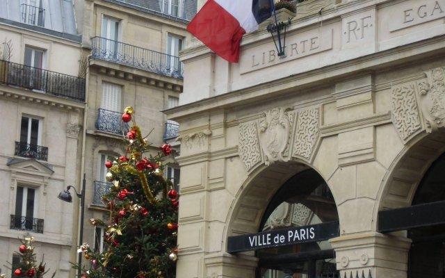 Отель Hôtel Eden Montmartre вид на фасад