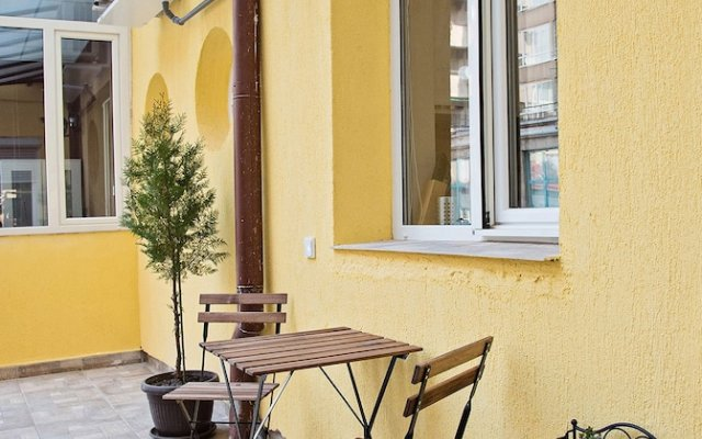 Отель The North Tower Apartment Болгария, София - отзывы, цены и фото номеров - забронировать отель The North Tower Apartment онлайн вид на фасад