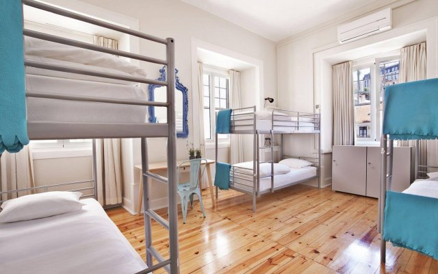 Goodmorning Hostel Lisbon комната для гостей