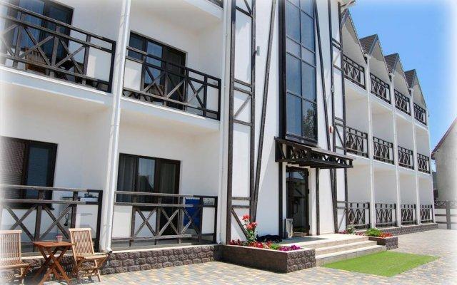Гостиница Шато вид на фасад