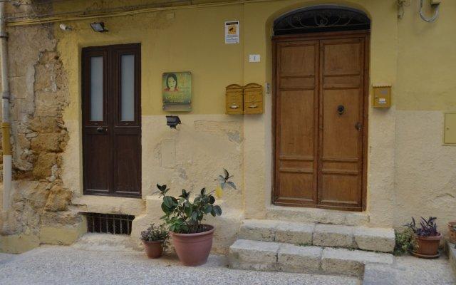 Отель B&B Il Meraviglioso Mondo di Amelie Агридженто вид на фасад