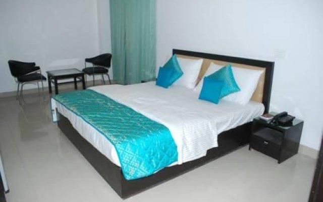 Отель Dwarka Palace Индия, Нью-Дели - отзывы, цены и фото номеров - забронировать отель Dwarka Palace онлайн вид на фасад