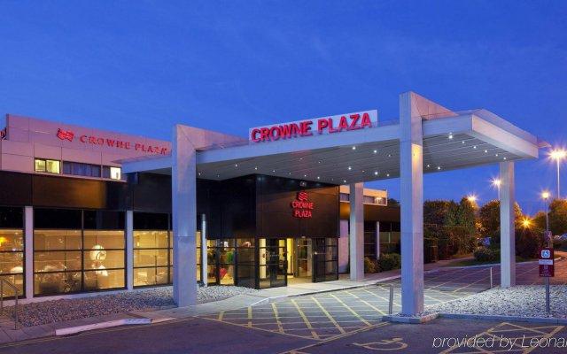 Отель Crowne Plaza Manchester Airport Великобритания, Манчестер - 1 отзыв об отеле, цены и фото номеров - забронировать отель Crowne Plaza Manchester Airport онлайн вид на фасад