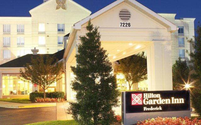 Отель Hilton Garden Inn Frederick вид на фасад