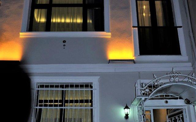 Отель Blue Mosque Suites Стамбул вид на фасад