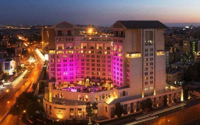 Sheraton Amman Al Nabil Hotel вид на фасад