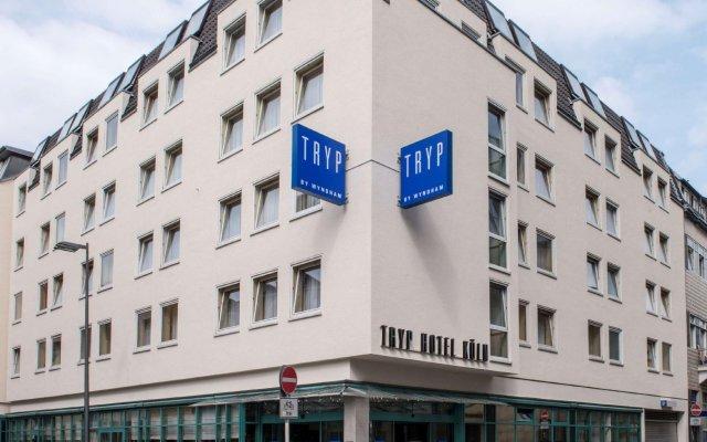 Отель TRYP by Wyndham Köln City Centre вид на фасад