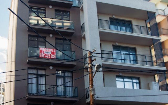 Апартаменты Hosthub Apartment On Shatberashvili Str Тбилиси вид на фасад