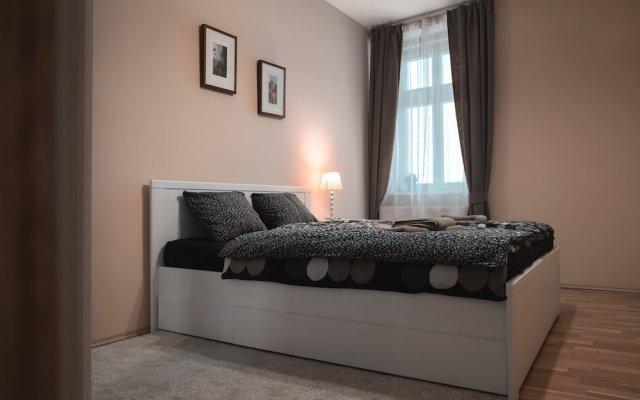 Апартаменты Apartment for 10 Guests Top Center of Prague комната для гостей