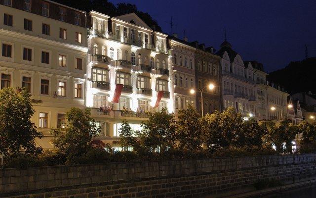 EA Hotel Jessenius вид на фасад